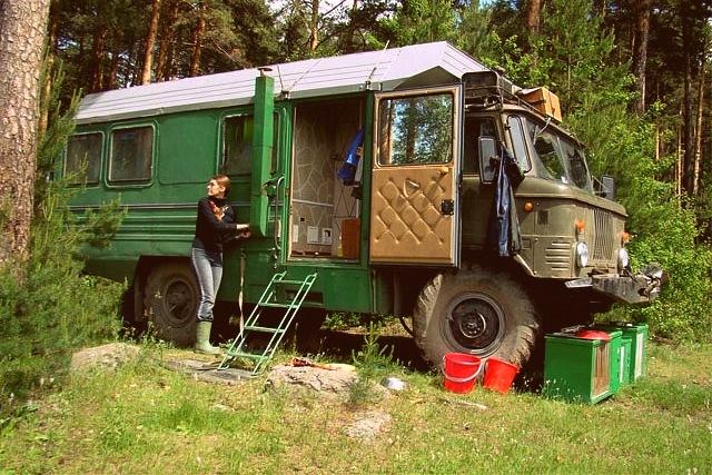 Василий Черноголов и его волшебный дом на колесах