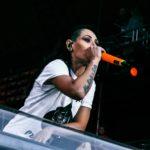 LOUNA выпустили клип на песню S N U F F